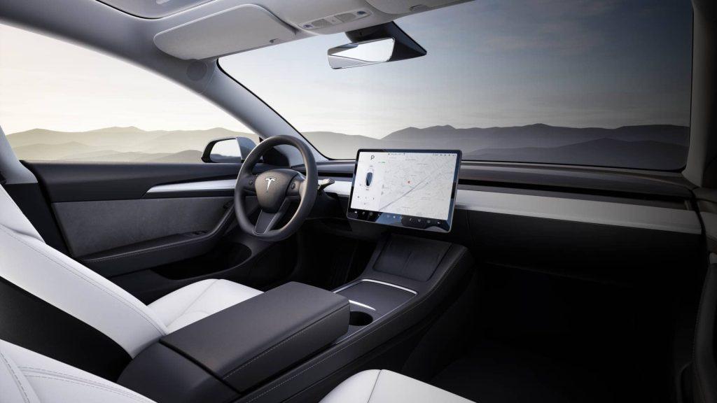 auto guida autonoma tesla